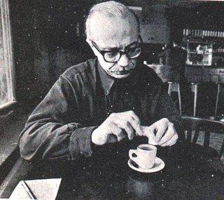 Ernesto Sábato con un café