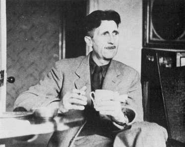 George Orwell tomando café