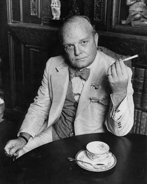 Truman Capote tomando café