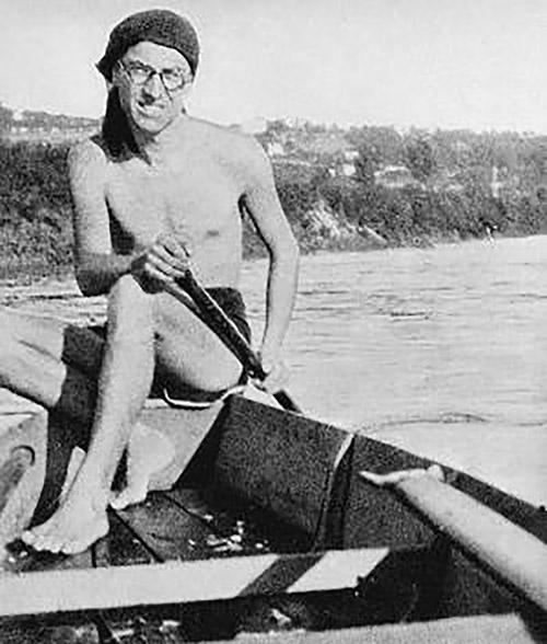Cesare Pavese remando en el río Po
