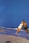 Arthur Miller y Marilyn Monroe en la playa