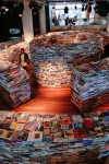 Laberinto de libros recreando la huella digital de Borges