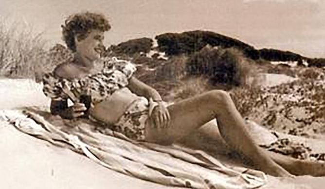 La escritora sudafricana Ingrid Jonker