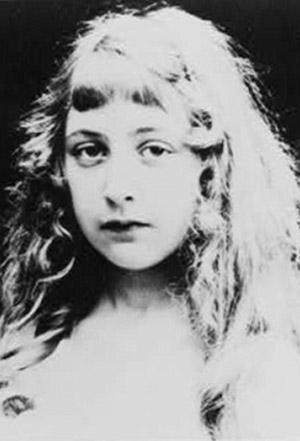 Agatha Christie adolescente destacado2