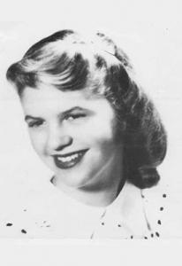 Foto de graduación de Sylvia Plath en 1950