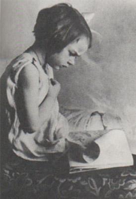 Preciosa imagen de Flannery O´Oconnor en su niñez