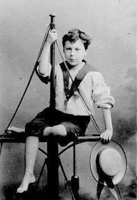 El Nobel de Literatura Bertrand Rusell en una fotografía de su infancia