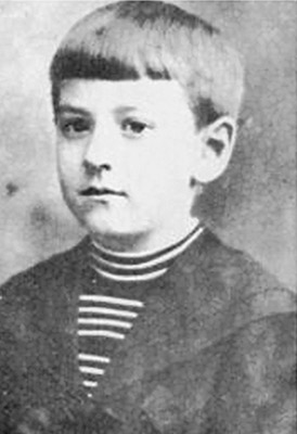 HP Lovecraft con nueve años