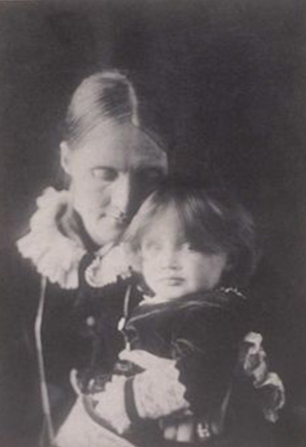 Virginia Woolf con su madre