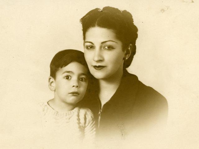 Mario Vargas Llosa y su madre