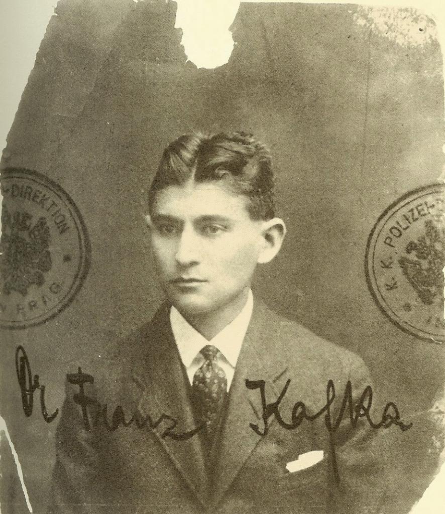 Fotografía original del pasaporte de Franz Kafka, expedido alrededor de 1915