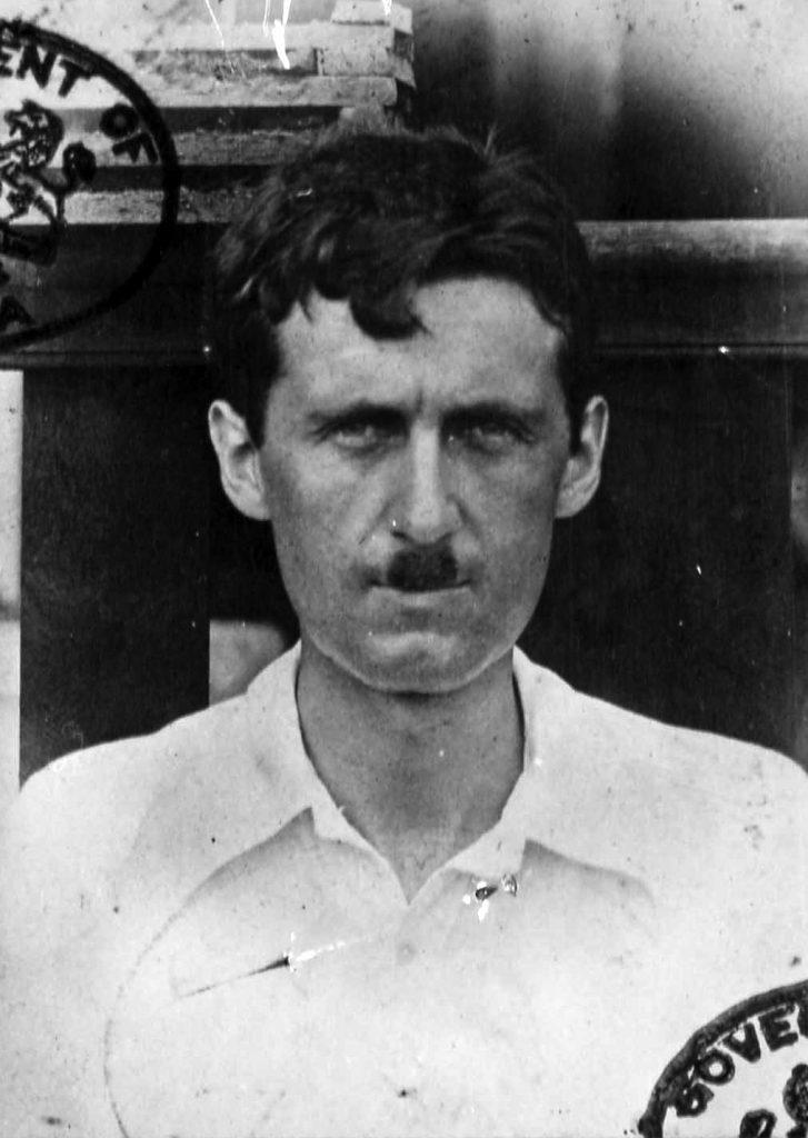 Fotografía del pasaporte de George Orwell