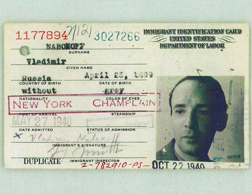 Tarjeta de inmigración de Vladimir Nabokov expedida en Estados Unidos en 1940