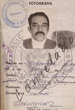 Pasaportes y documentos de identidad de escritores