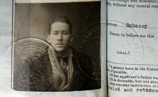 Pasaporte de EE Cummings. 1917