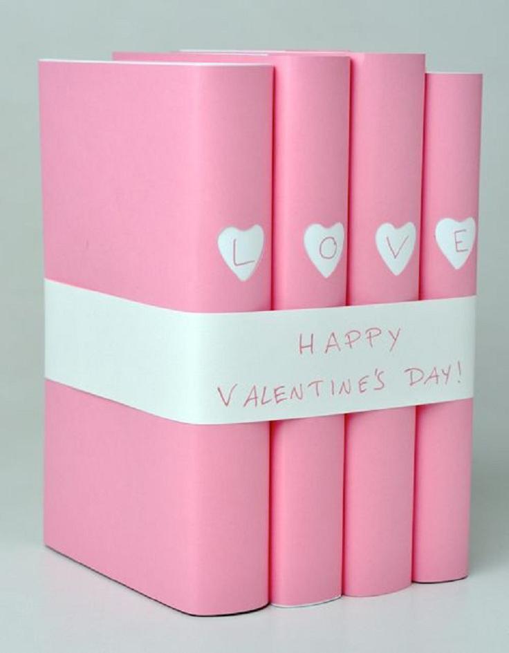 Una original forma de empaquetar libros de regalo para tu pareja