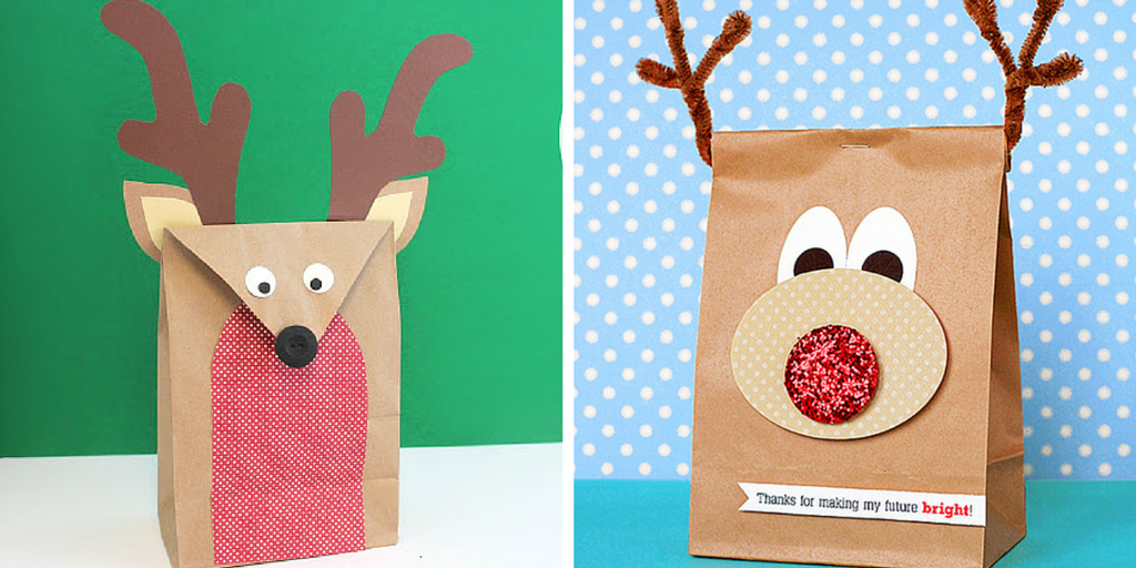 Libros de Navidad empaquetados con bolsas que parecen renos