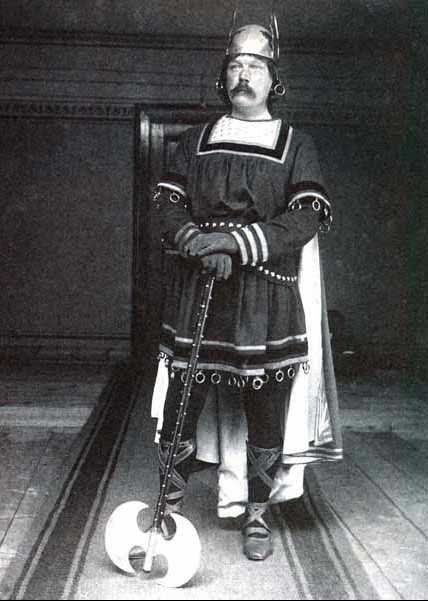 Arthur Conan Doyle disfrazado