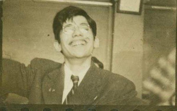 Allen Ginsberg en la escuela de secundaria de Paterson, New Jersey, en 1942