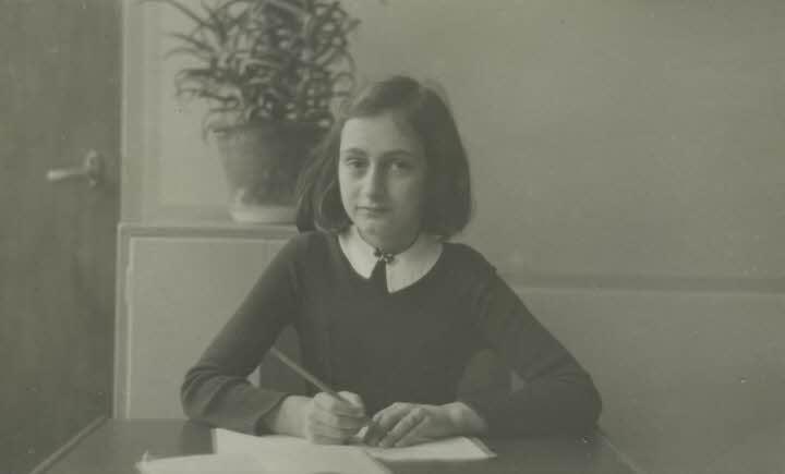 Ana Frank en la escuela Montessori de Amsterdam en 1941