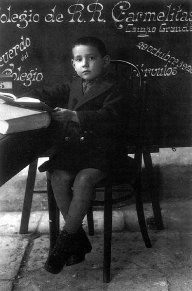 Miguel Delibes a los seis años (1926), cuando era un párvulo en el Colegio de las Carmelitas de Valladolid.