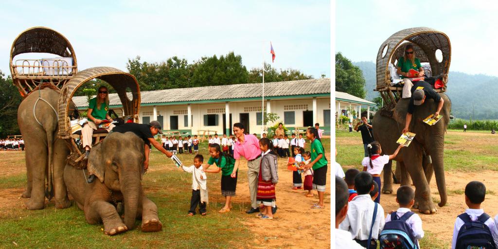 Biblioteca ambulante a lomos de un elefante